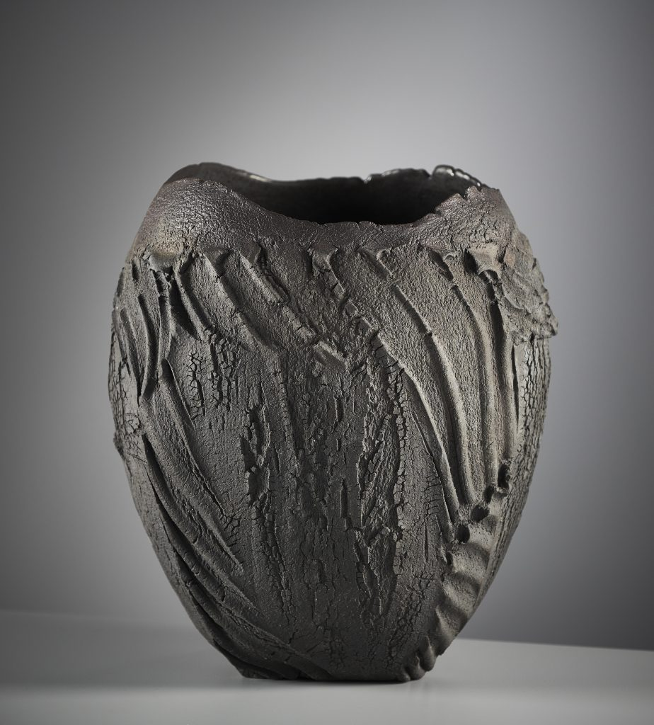 patricia-shone-potter-skye-artist-saggar-fired-gallery-photo-shannon-tofts