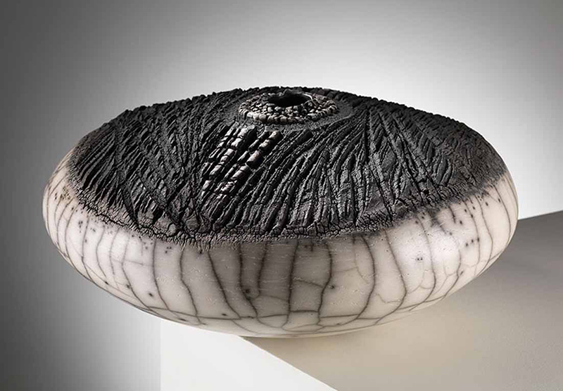patricia-shone-contour-35-ht20cm-raku fired-2013-image-Shannon-Tofts