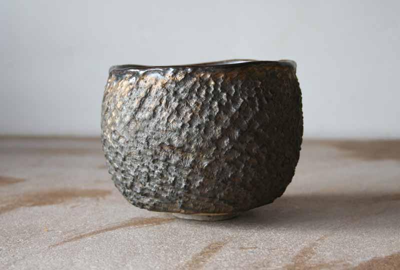 patricia-shone-ceramics-skye-textured-bowl-gold-slip