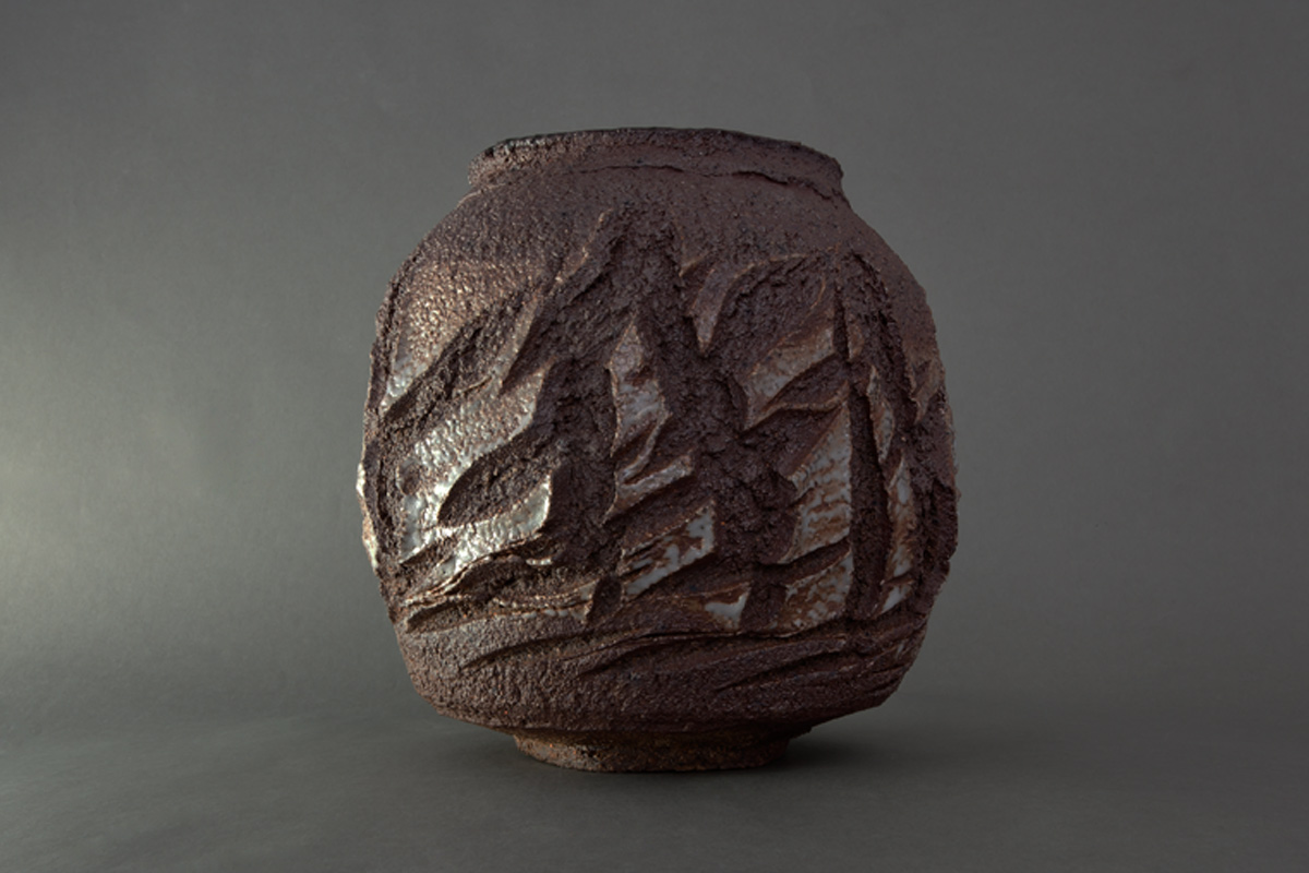 patricia-shone-potter-skye-artist-woodfired-midden-slashed-jar-ht14cm