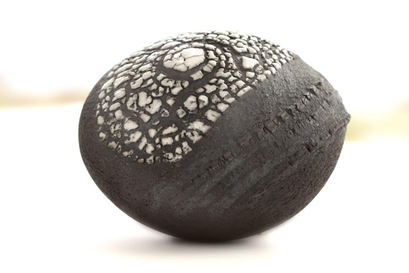Patricia Shone Ceramics, Small Contour Pebble